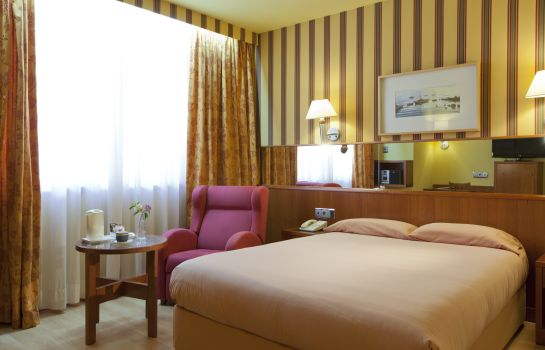 Single room (standard) Senator Barcelona Hotel & Spa