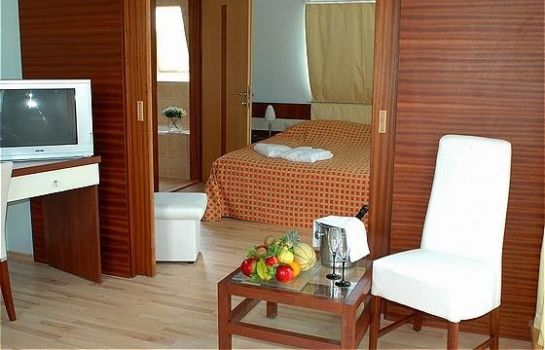 Suite Holiday Beach Wellness Hotel with Sauna Park