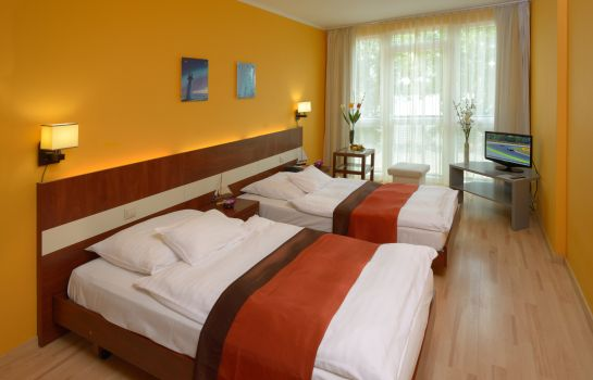 Doppelzimmer Standard Holiday Beach Wellness Hotel with Sauna Park
