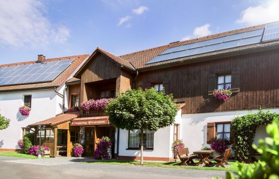 Exterior view Sommer Pension