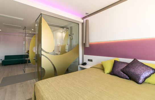 Pokój typu junior suite The Purple by Ibiza Feeling GAY ONLY