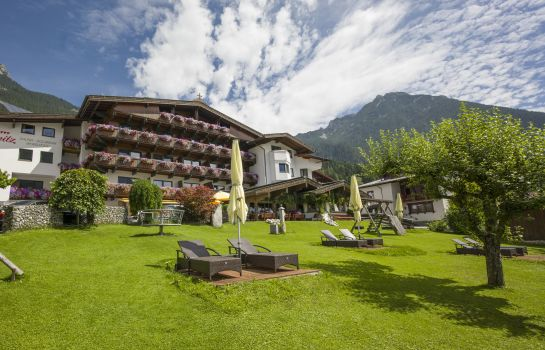 Exterior view Hotel-Pension Rotspitz