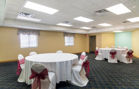Conference room Econo Lodge  Inn & Suites Six Flags