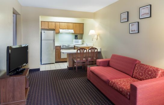Room Econo Lodge  Inn & Suites Six Flags