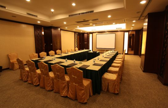 Conference room Rosedale Hotel and Suites
