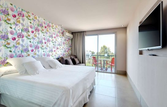 Room Occidental Cala Vinas