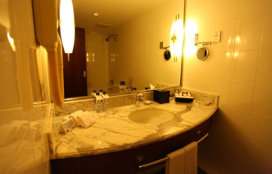 Bathroom Ramada Plaza Pudong