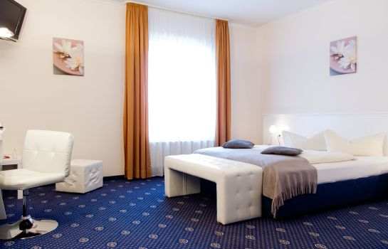 Chambre double (confort) Stadthotel