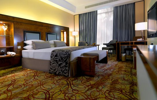 Suite Junior Millennium Airport Hotel Dubai