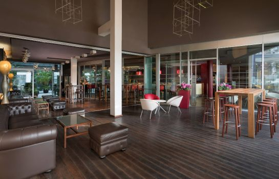 Bar hotelowy Four Points by Sheraton Bolzano