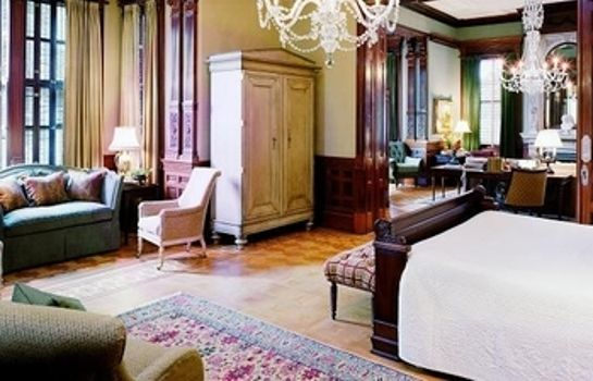 Suite Wentworth Mansion