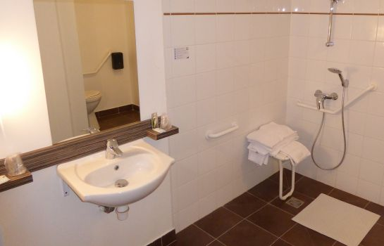 Bathroom INTER-HOTEL Blois Nord Le Cosy
