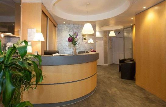 Hol hotelowy Citotel Le Challonge