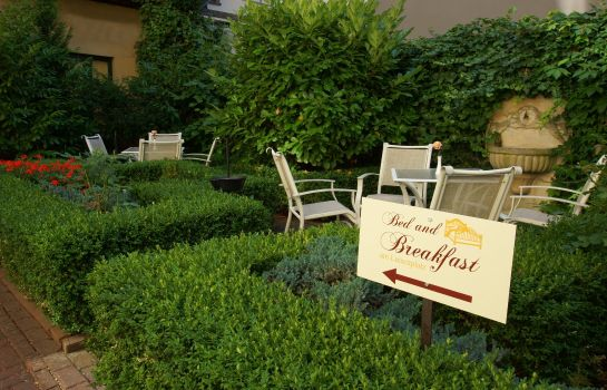 Garten Bed and Breakfast am Luisenplatz