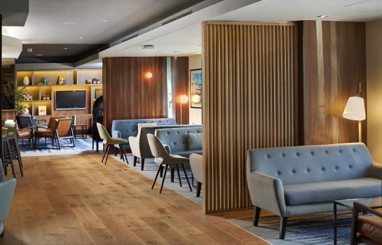 Hotel bar DoubleTree by Hilton London Excel