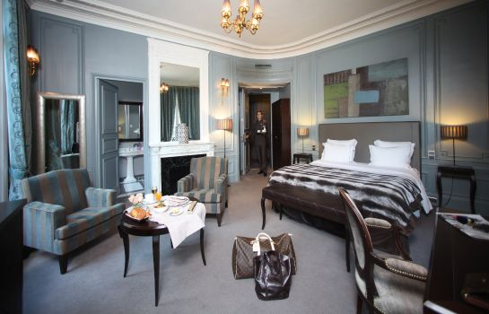 Junior Suite Champs Elysees Plaza Hotel