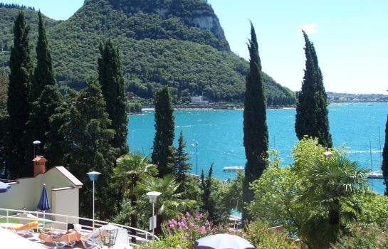 Hotel Excelsior Le Terrazze Garda Great Prices At Hotel Info