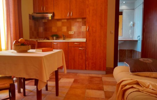 Four-bed room Aparthotel Lekavski