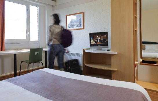 Standard room ibis Mons Centre Gare