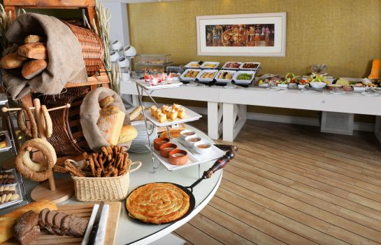 Breakfast buffet Airotel Stratos Vasilikos