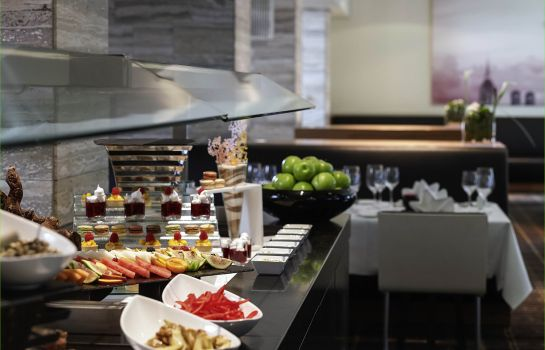 Breakfast buffet Sofitel Munich Bayerpost