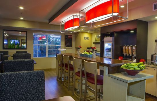 Restaurant TownePlace Suites Greenville Haywood Mall