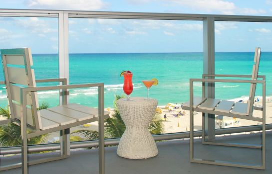 Zimmer Courtyard Cadillac Miami Beach/Oceanfront