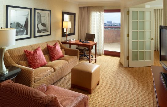Zimmer Atlanta Marriott Suites Midtown