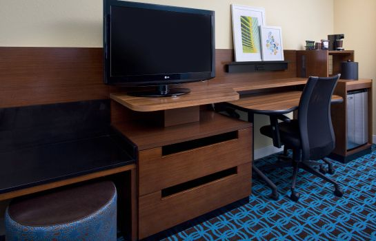 Suite Fairfield Inn & Suites Orlando Lake Buena Vista in the Marriott Village