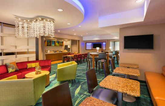 Vestíbulo del hotel SpringHill Suites Little Rock West