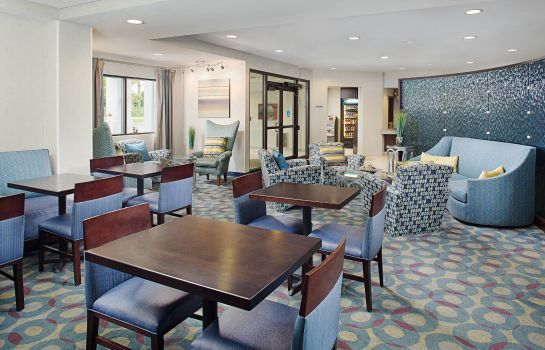 Lobby SpringHill Suites Manchester-Boston Regional Airport