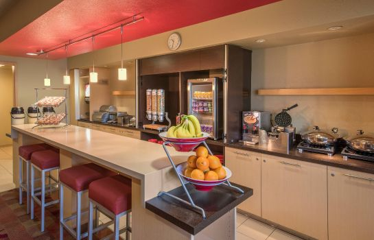 Restaurant TownePlace Suites Denver Southeast