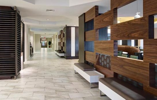 Vestíbulo del hotel SpringHill Suites Orlando Convention Center/International Drive Area