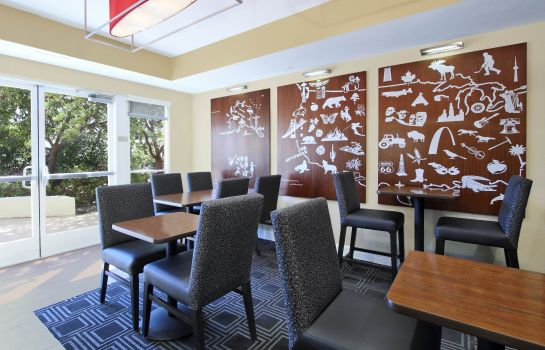Restaurant TownePlace Suites Redwood City Redwood Shores