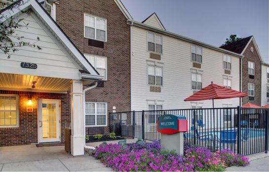 Widok zewnętrzny TownePlace Suites Cleveland Airport