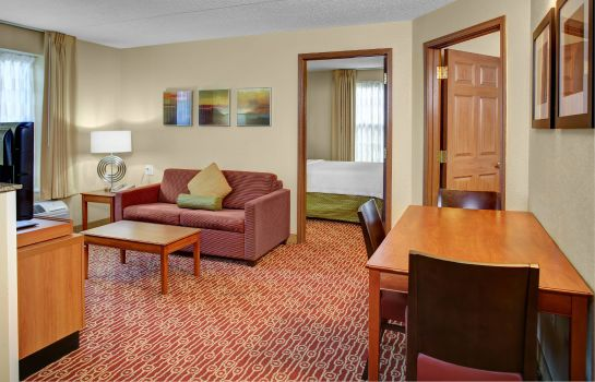 Suite TownePlace Suites Cleveland Airport