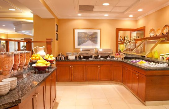 Restaurant Residence Inn Boston Woburn