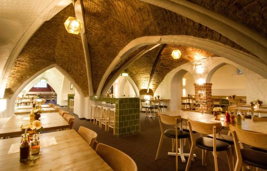 Breakfast room Mayfair Hotel Tunneln