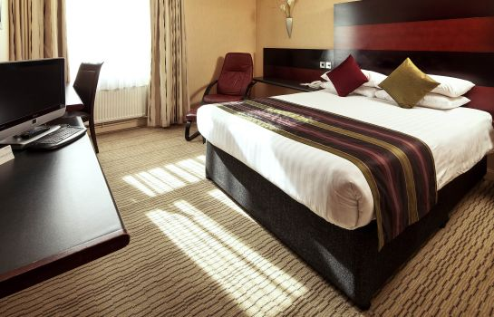 Standard room Mercure Chester Abbots Well Hotel