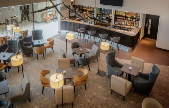 Bar del hotel DoubleTree by Hilton Hotel London Heathrow Airport