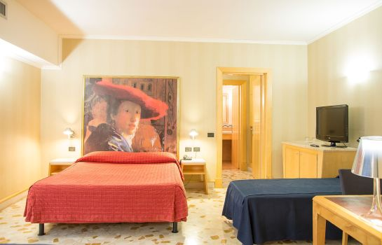 Four-bed room Tre Fontane