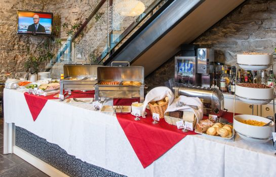 Breakfast buffet Rixwell Old Town Hotel