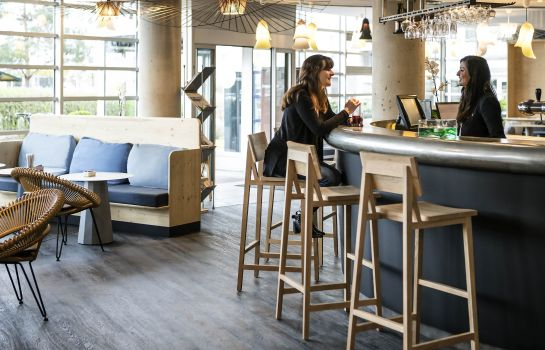 Hotel bar Novotel Suites Paris CDG Airport Villepinte