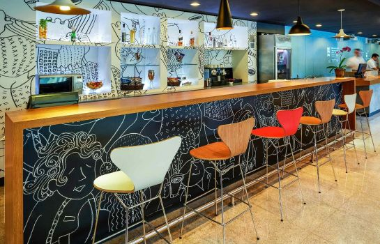 Hotel bar ibis Bordeaux Lac