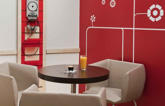 Hotel-Bar ibis Paris Orly Rungis