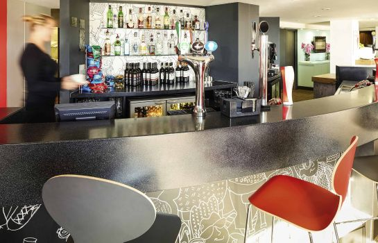 Hotel-Bar ibis London Luton Airport