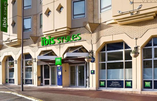 Exterior view ibis Styles Lille Centre Gare Beffroi