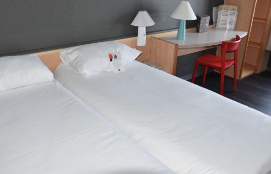Standardzimmer ibis Rochefort