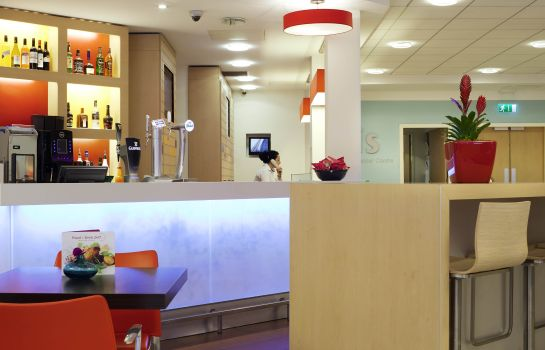 Hotel bar ibis Manchester Centre 96 Portland Street (new ibis rooms)