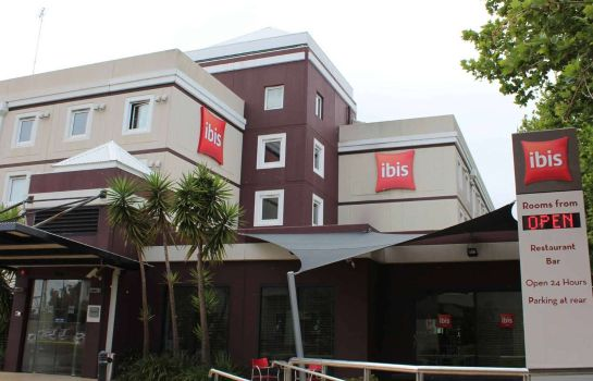 Exterior view ibis Newcastle